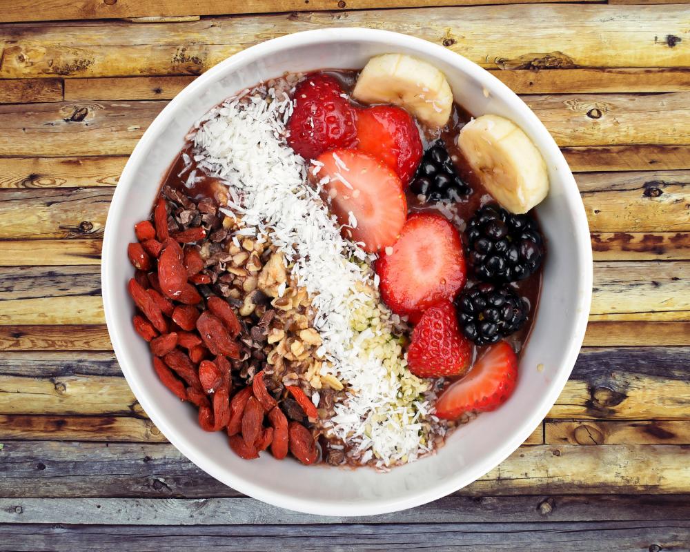 Frühstücksbowl mit Früchten
